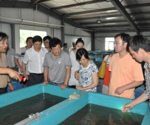 南京市水科所组织党员参观省淡水研究所