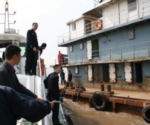 水陆并进 五域同巡 龙湾局实现监管全覆盖