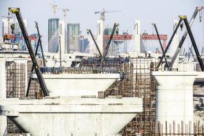 津保铁路工程子牙河特大桥即将铺轨