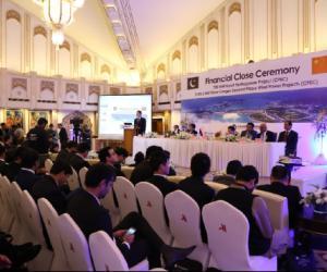巴基斯坦卡洛特水电项目暨三峡巴基斯坦风电二期项目举行融资关闭仪式