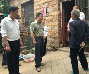 刘鲁生副局长到帮包村调研指导脱贫帮扶工作