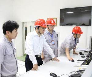 来宾市市长雷应敏检查桥巩水电站、乐滩水电站防汛备汛工作