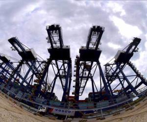 船用岸电助推大连港集装箱业务发展