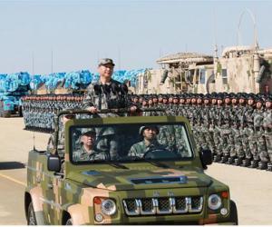习近平出席建军90年大会 检阅部队并发表重要讲话