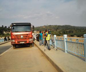 卢旺达阿卡尼亚鲁河桥工程项目顺利通过竣工验收