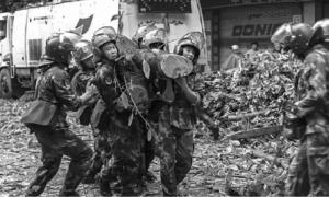 """光明日报:台风""""天鸽""""登陆广东珠海沿海 粤桂安全转移群众40余万人"""