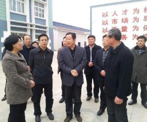 省海洋与渔业局汤建鸣局长一行到东台考察海工装备产业