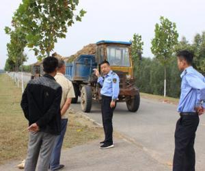 鄄城河务局开展堤防道路超载车辆专项治理活动
