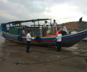 福州市支队直属三大队开展节前渔船安全检查