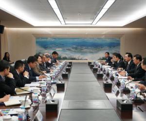 卢纯会见GE公司全球高级副总裁一行