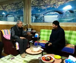 副厅长陈景才春节前走访慰问离退休老党员和老职工