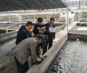 """东山县开展2018年全国""""两会""""期间水产品质量安全执法检查"""