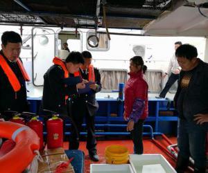 龙海市渔政大队联合开展海上专项执法行动