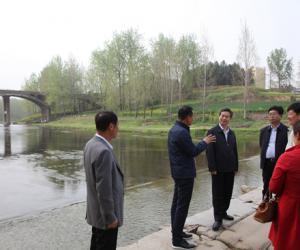 摆向阳到叶县调研脱贫攻坚工作并开展澧河巡河活动
