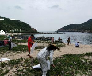 万宁大洲岛保护区开展沙滩垃圾清洁活动